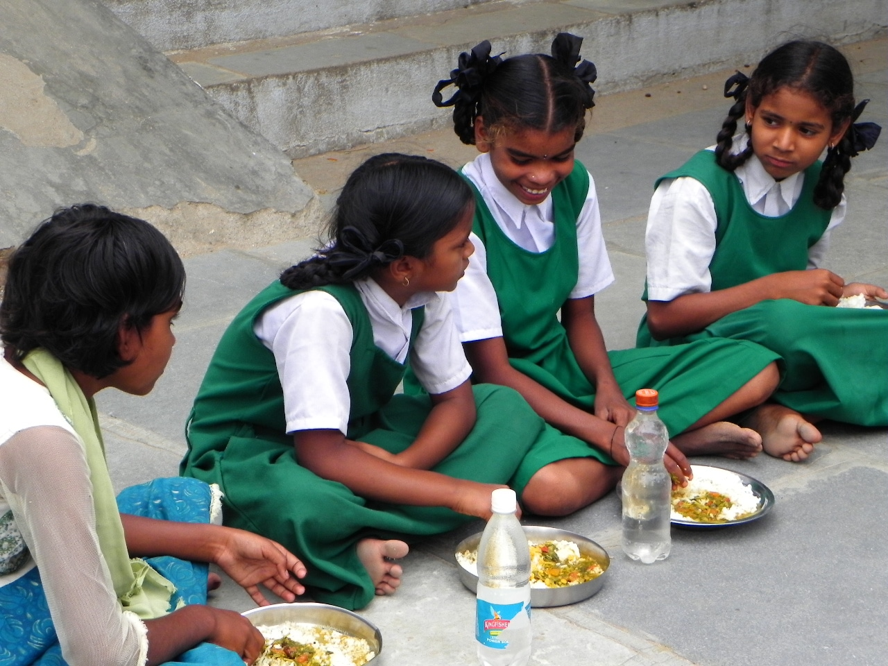 mid_day_meal_for_hunger