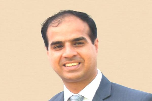 Dr Gaurav Muradia