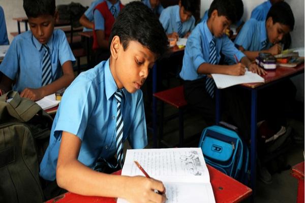 Delhi schools physical classes